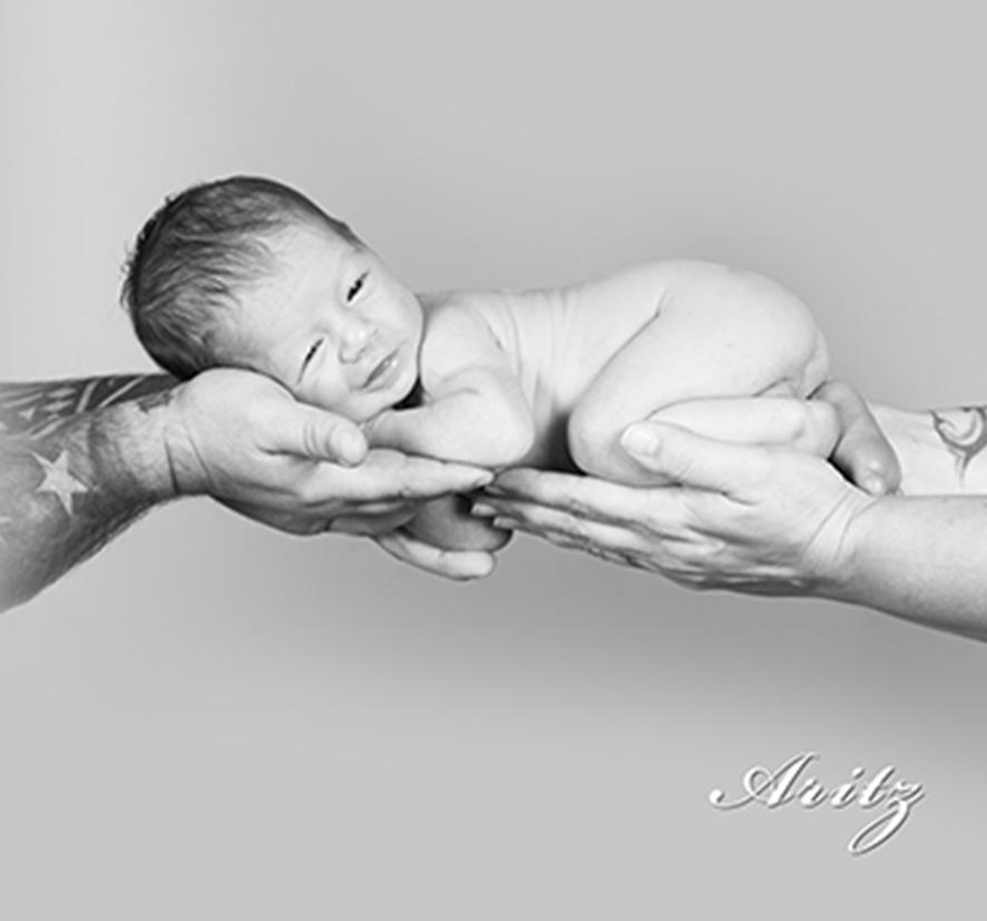 foto-bebe_fotofotografia_foto-de-bebe-_estudio-de-bebes-en-oliva-24