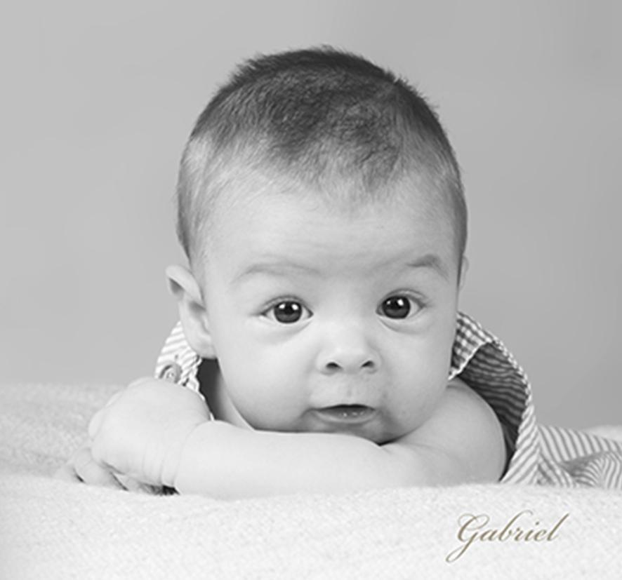 foto-bebe_fotofotografia_foto-de-bebe-_estudio-de-bebes-en-oliva-3