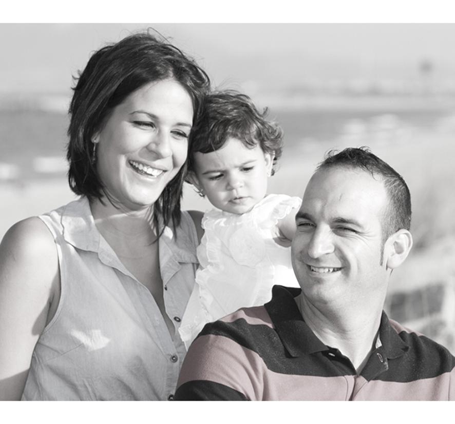 foto-familia_playa_estudio_exterior_oliva_fotohfotografia-6