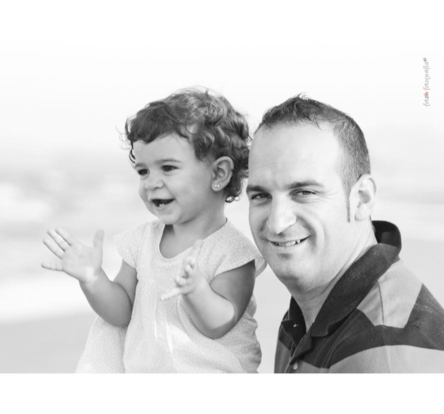 foto-familia_playa_estudio_exterior_oliva_fotohfotografia-8
