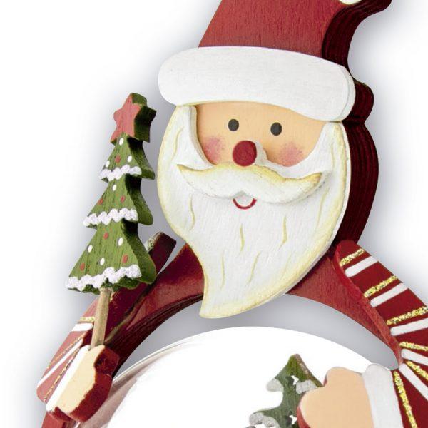 detalles de decoración de navidad , regalo de navidad hecho de madera roja y con detalle de burbuja de cristal interior con foto
